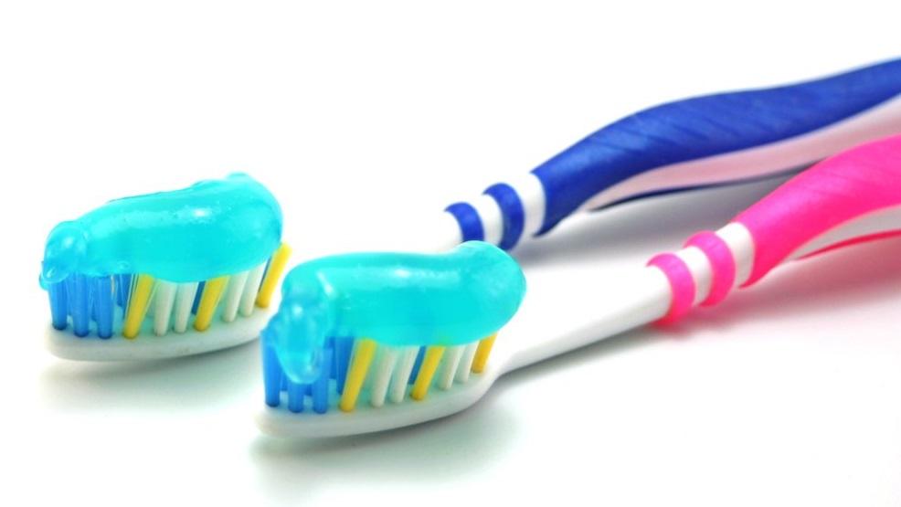 stockvault-dental-brush-and-paste119118